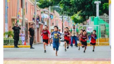 Niño indígena ganó el primer lugar luego de haber competido descalzo