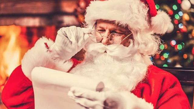 """Despiden a maestra tras revelar el """"secreto"""" de Santa"""