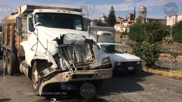 Galería: Carambola en salida a Charo deja daños materiales