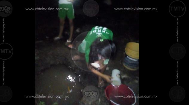 Ante desabasto de agua entubada, ciudadanos buscan alternativas sin garantía de salubridad