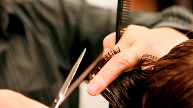Niño de 13 años recibe seis disparos mientras se cortaba el cabello y sobrevive