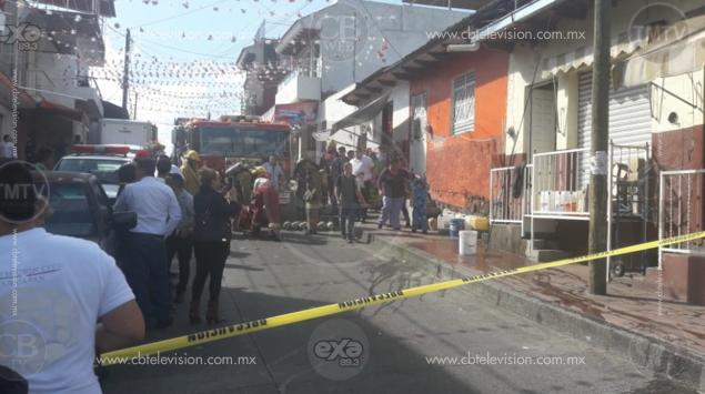 Se registra incendio en tienda esotérica en Uruapan, hay un herido por quemaduras