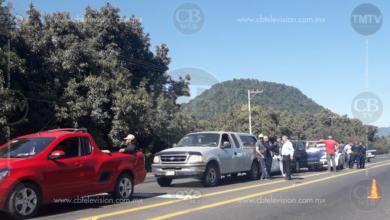 Ocurre carambola entre cinco vehículos, en la Uruapan – Paracho