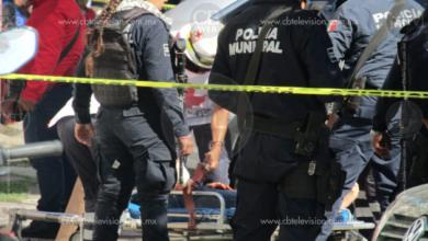 """Sujetos armados se disparan entre sí, una joven es alcanzada por """"balas perdidas"""""""