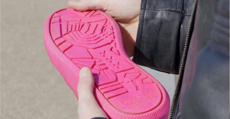 Crean el primer calzado fabricado con chicles recogidos en las calles