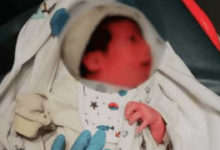 Padres se deshacen de su hija recién nacida tirándola a la basura