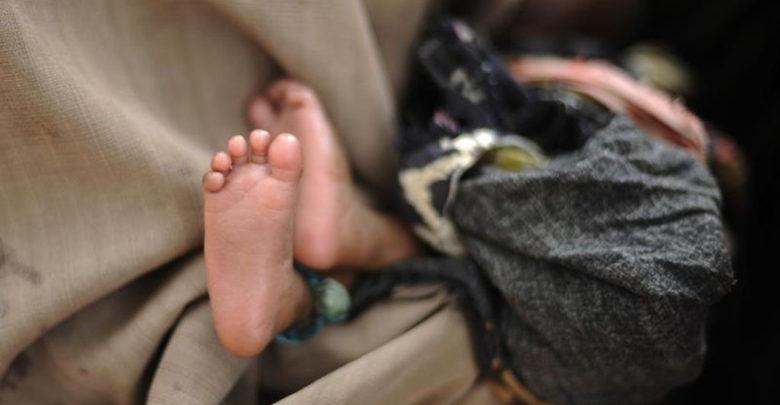 Joven mató a su bebé y lo escondió debajo de su colchón durante tres días para que sus padres no la corrieran