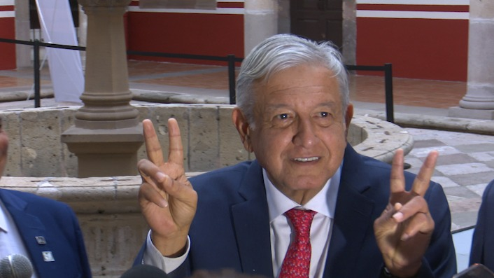 """""""Amor y paz"""": AMLO a EZLN"""