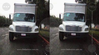 Abandonan camión con reporte de robo al norte de Morelia