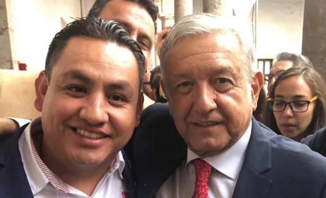 Entrega Víctor Manríquez proyectos estratégicos a AMLO para desarrollo de Uruapan