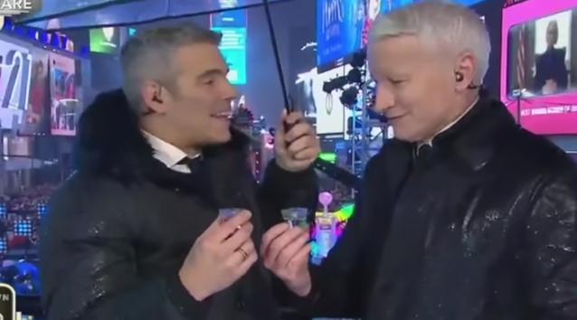 VIDEO: Reacción deperiodista de CNN al tomar por primera vez tequila se hace viral