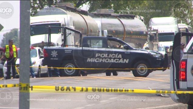 Una persona perdió la vida al chocar el vehículo en el que viajaba contra