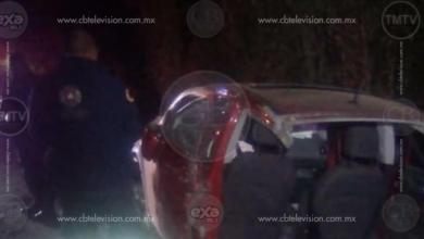 Un muerto y 4 heridos en choque de 2 vehículos en Zitácuaro