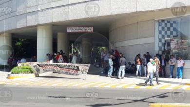 Se manifiesta CNTE en centro comercial de Morelia