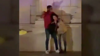 VIDEO (+18): Asesina a una joven embarazada en plena vía pública