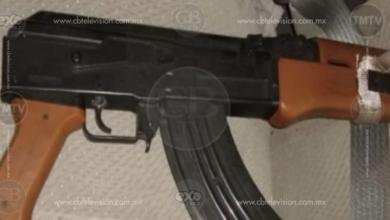 Policías y unos presuntos robacarros protagonizan balacera en El Pueblito