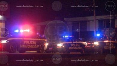 Photo of Atacan a balazos a comensales de cenaduría en Apatzingán