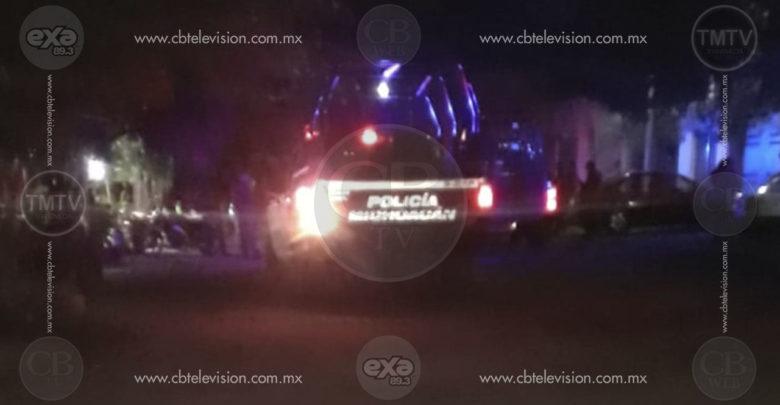 Muere joven al ser atacado a balazos en vivienda de Apatzingán