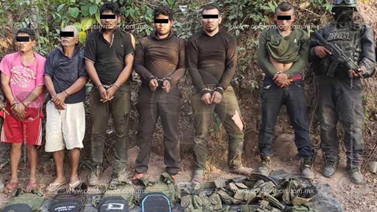 En enfrentamiento policías arrestan a seis, entre ellos dos guatemaltecos
