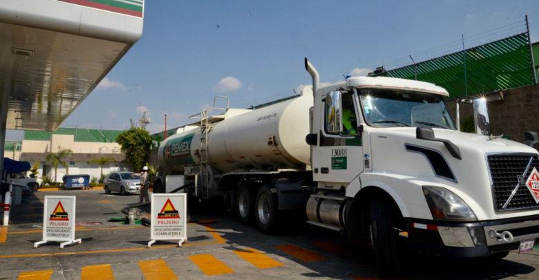 Informan que hoy llegarán de 40 a 45 pipas de gasolina a Morelia