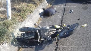 Dos jóvenes que viajaban en moto son asesinados a balazos en Apatzingán