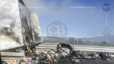 Se incendia caja de tráiler con todo y mercancía en la Pátzcuaro-Cuitzeo
