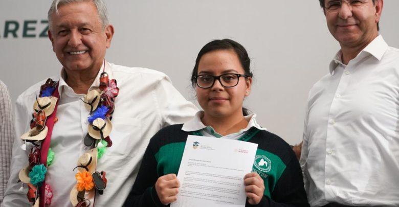Beca Universal Benito Juárez garantiza derecho a la educación de 4.1 millones de jóvenes en nivel media superior