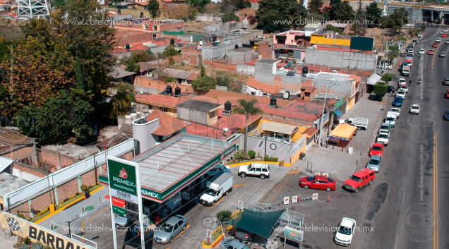 Persisten filas en estaciones gasolineras de Morelia