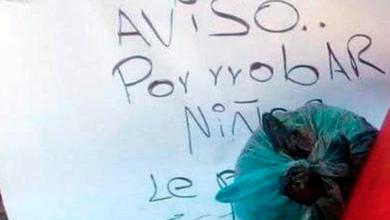 Matan a hombre y lo dejan envuelto en una bandera de México