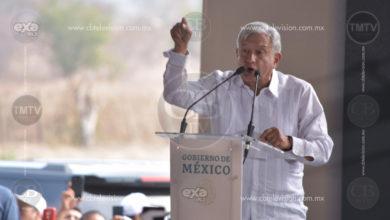 ¿Radicales o conservadores?, cuestiona AMLO a CNTE