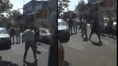 Hombre lleva a su hijo a golpear a un estudiante de secundaria