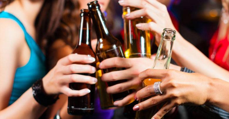 Según estudio beber cerveza aumenta los pechos