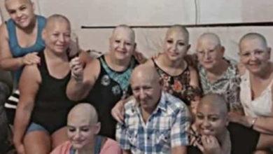 Toda la familia se rapa para apoyar a mujer enferma de cáncer