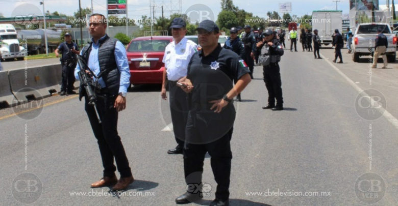 Arrestan a cinco hombres por narcomenudeo