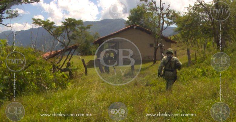 Hallan a dos ejecutados a balazos en un predio de Apatzingán
