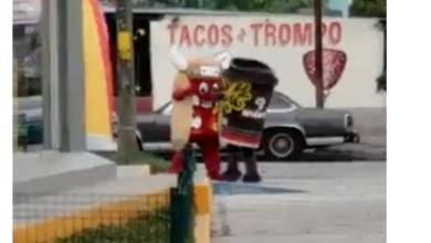 """HUMOR EN REDES: """"La batalla del siglo"""", Hot dog del Oxxo noquea a café Andatti"""
