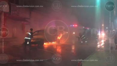 Camioneta incendiada es abandonada en el centro de Apatzingán