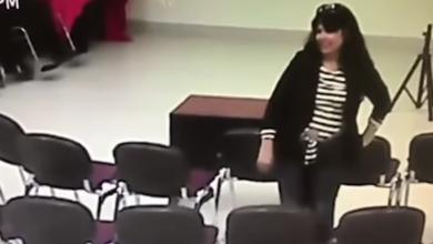 VIDEO: Captan a regidora de Morena apropiándose de celular ajeno