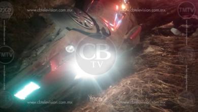 Hombre de la tercera edad fallece al volcar su auto en la carretera Quiroga-Zacapu