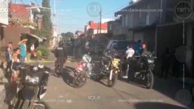 Ocupantes de camioneta sufren atentado a balazos en Uruapan; un muerto y 2 heridos