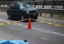 Abandonan a recién nacido sobre la carretera y muere aplastado