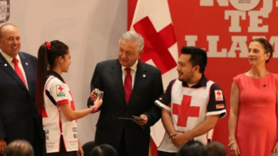 López Obrador arranca la colecta de la Cruz Roja