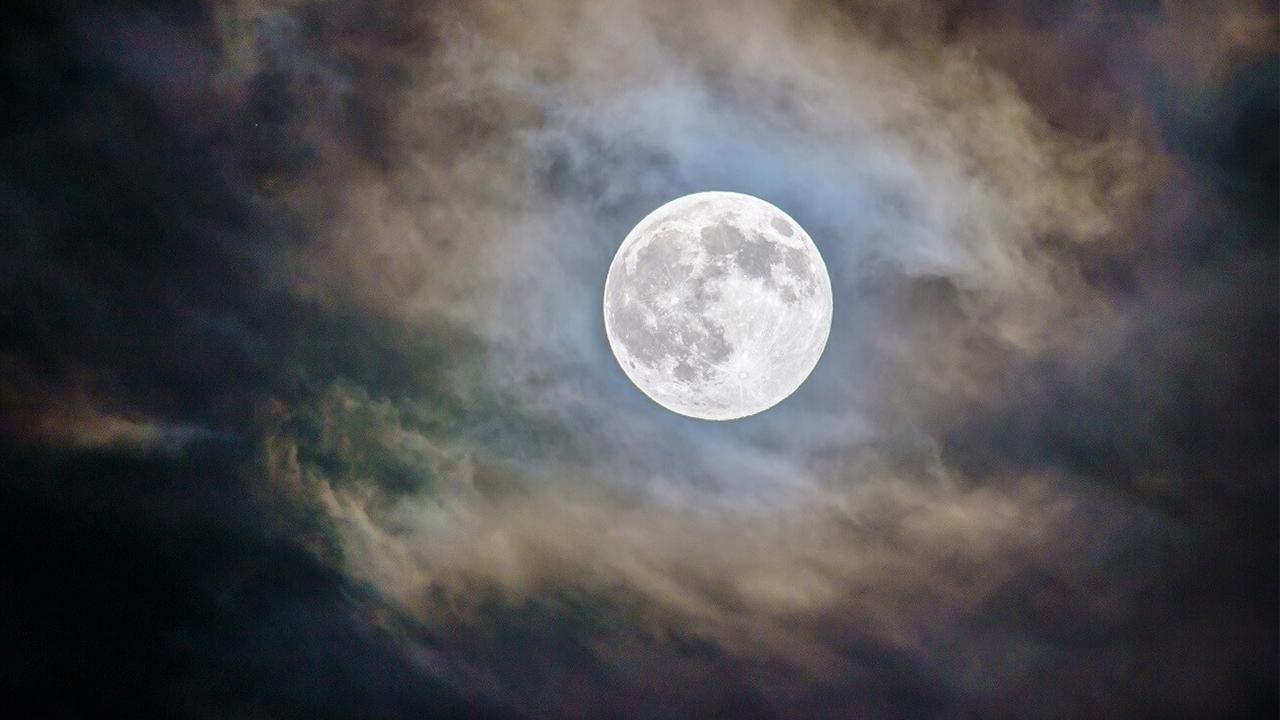 """No te puedes perder este miércoles la súper """"Luna de Gusano"""", aquí te decimos por qué es tan especial"""