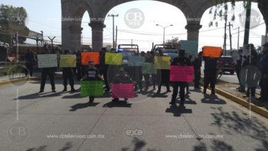Policías de Tarímbaro se arriesgan a ser despedidos y se manifiestan para pedir el apoyo de su alcalde