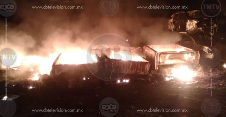 Arde deshuesadero de autos en Tarímbaro