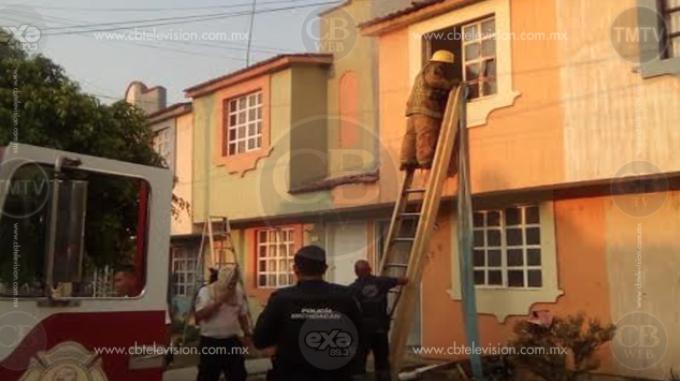 Bomberos apagan dos incendios de domicilios en el municipio de TarímbaroBomberos apagan dos incendios de domicilios en el municipio de Tarímbaro