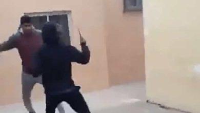 VIDEO: En pelea de secundaria, un menor ataca con cuchillo a su compañero