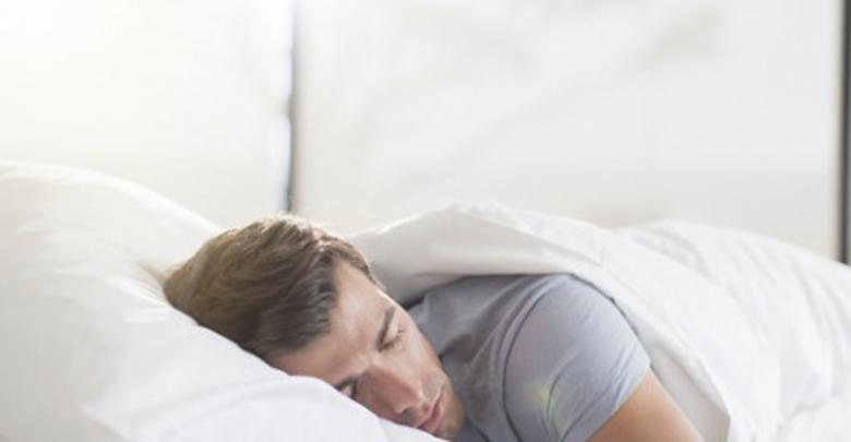 Acostarte en tu cama con la ropa que usaste todo el día es lo peor que puedes hacer