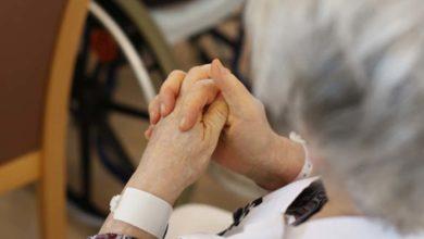 Anciana de 102 años de edad es acusada de asesinar a su compañera de cuarto en un asilo