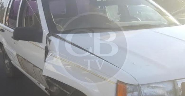 Automovilista se pasa retén policiaco y queda herido de bala